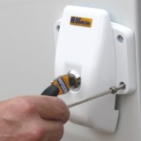 Grease the drill holes and seal them with the foam rubber seals (which are included) before you start fitting the screws. Then fix the HEOSafe� security lock with the screws (also included), using a 4mm Allen key. (heosafe_1760_bolt)